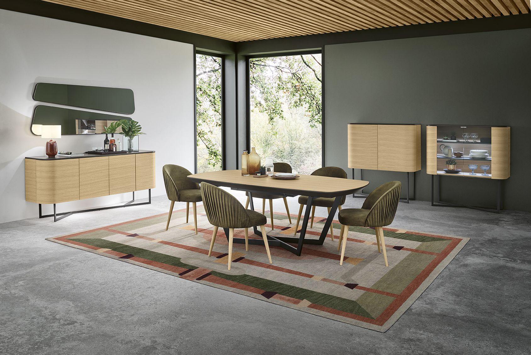 Sala de jantar contemporânea em madeira e verde musgo