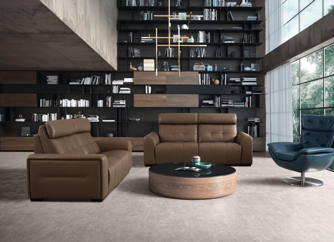 Conjunto de sofás clássicos de 2 lugares em pele